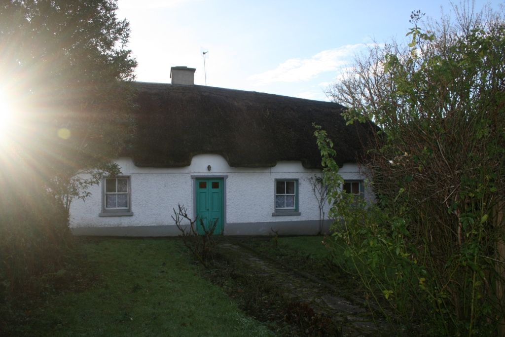 3 Bedroom Traditional Farmhouse on circa .5 of an acre | Guide Price €85,000
